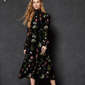 Ted Baker Dresses - Ted Baker rare midi dress sold out everywhere 💃🏼